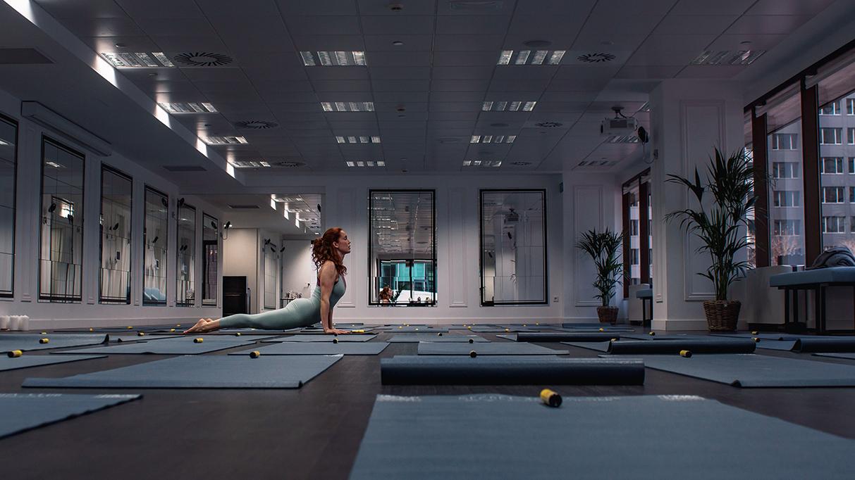 Piazza Comunicación crea una excepcional sinergia entre Flores de Bach y Secret Yoga Club en el inicio de su segunda temporada