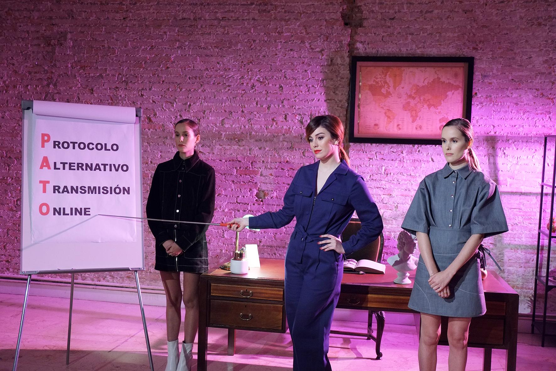 Blanca  Suárez, maestra de espías e influencers en el primer beauty film del labial Rouge G de Guerlain