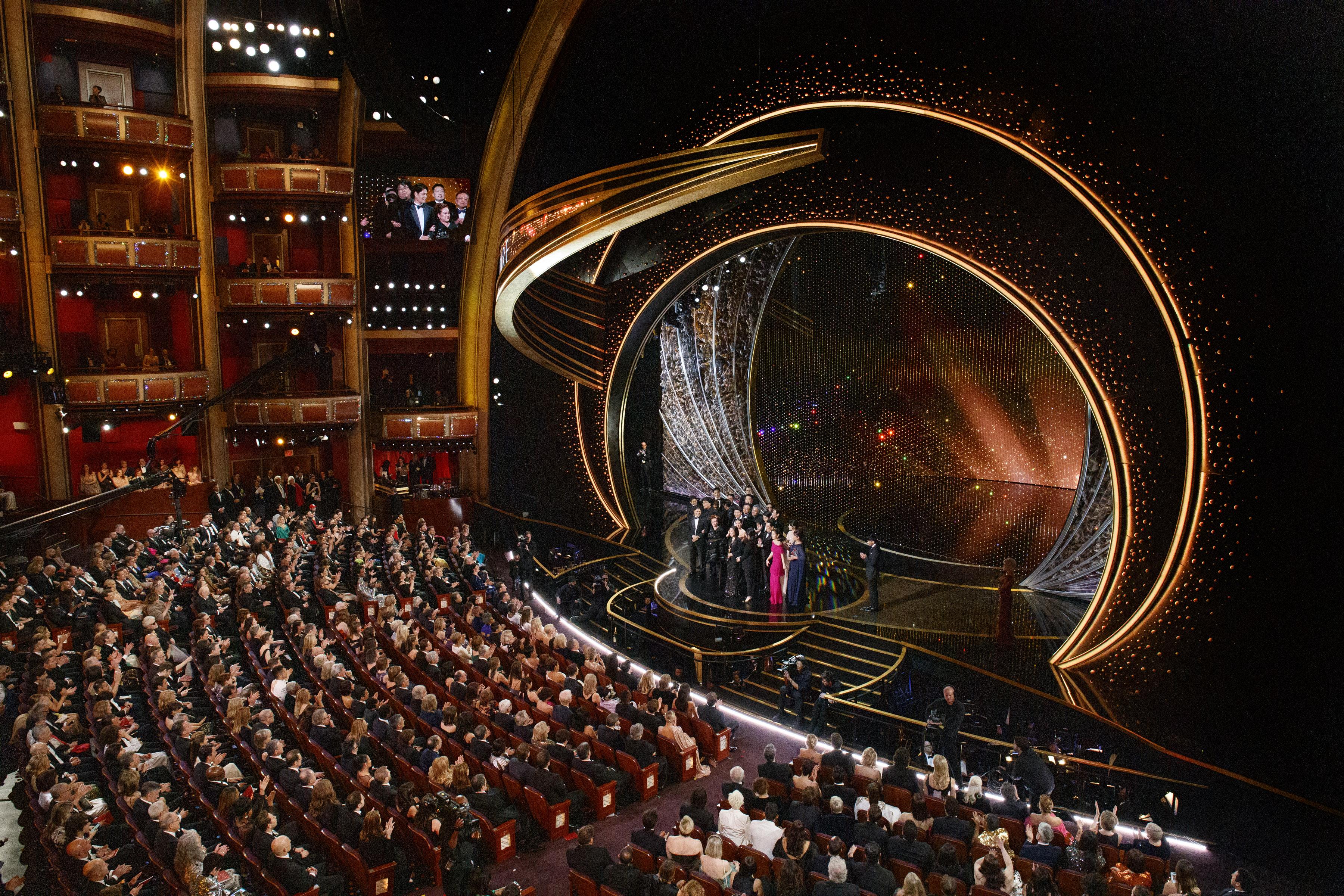 Swarovski hace brillar el escenario y la red carpet de esta edición de los Premios Oscar@