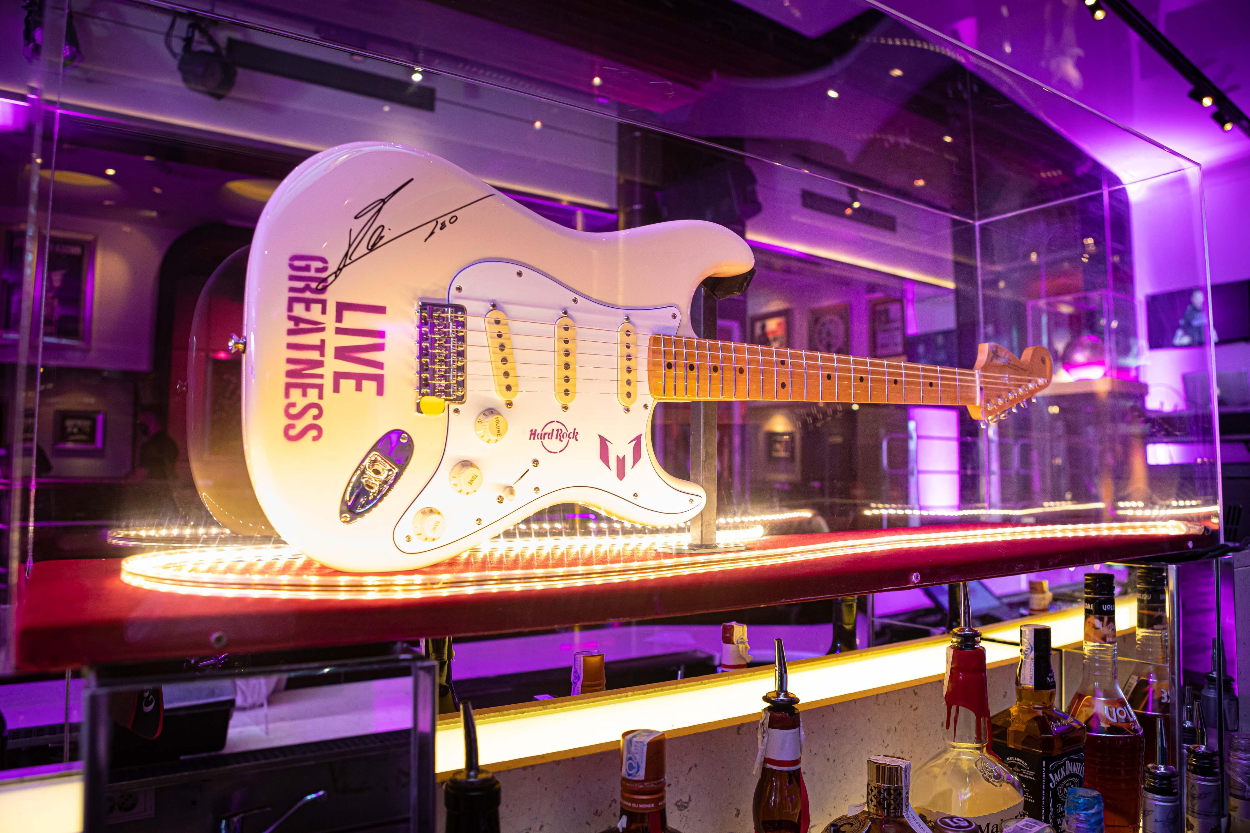 HARD ROCK CAFE BARCELONA acoge el 50 aniversario de HARD ROCK y el anuncio de  LIVE GREATNESS, su nueva campaña internacional protagonizada por LIONEL MESSI