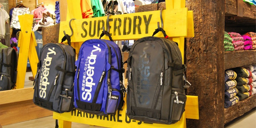Superdry continúa su expansión en España