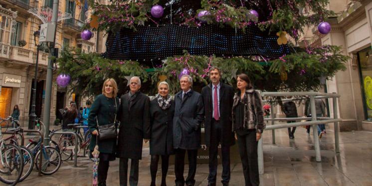La Familia TOUS y el alcalde Trias dan la bienvenida a la Navidad en Barcelona