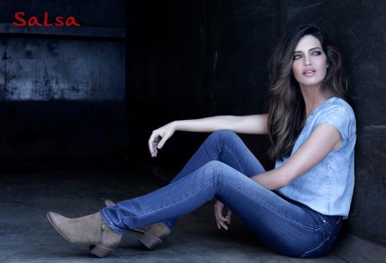 Jeans Push Up Wonder celebra el 10º aniversario con Sara Carbonero como embajadora de la marca